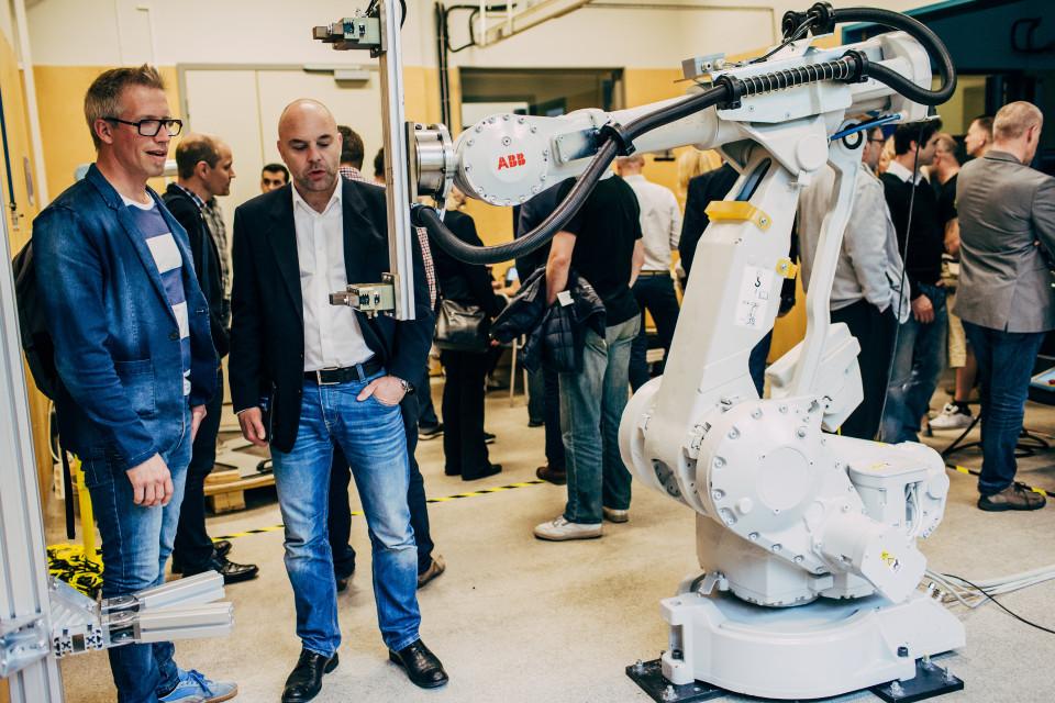 I robotlabbet_ABB-robot